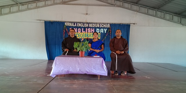 Nirmala Eng. Med. School celebrates English Day